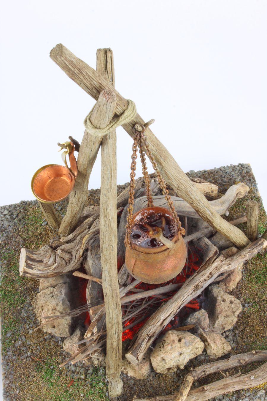 La fogata de los pastores de Belén. #belenes #miniaturas #weihnachtenholz