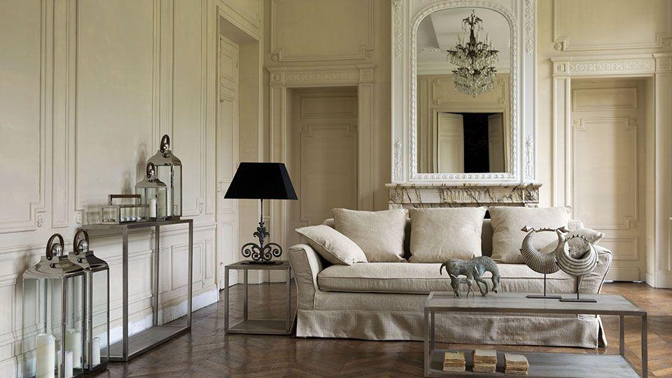 Double antique lounge with beams. c1597 | Mires Paris