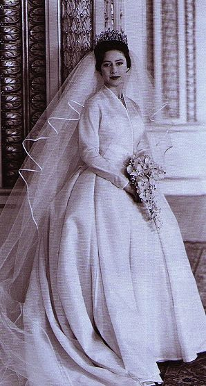 Princess Margaret's wedding gown was simple and uncluttered and the silk tulle veil was satin bound for her wedding to Tony Armstrong Jones in 1960.