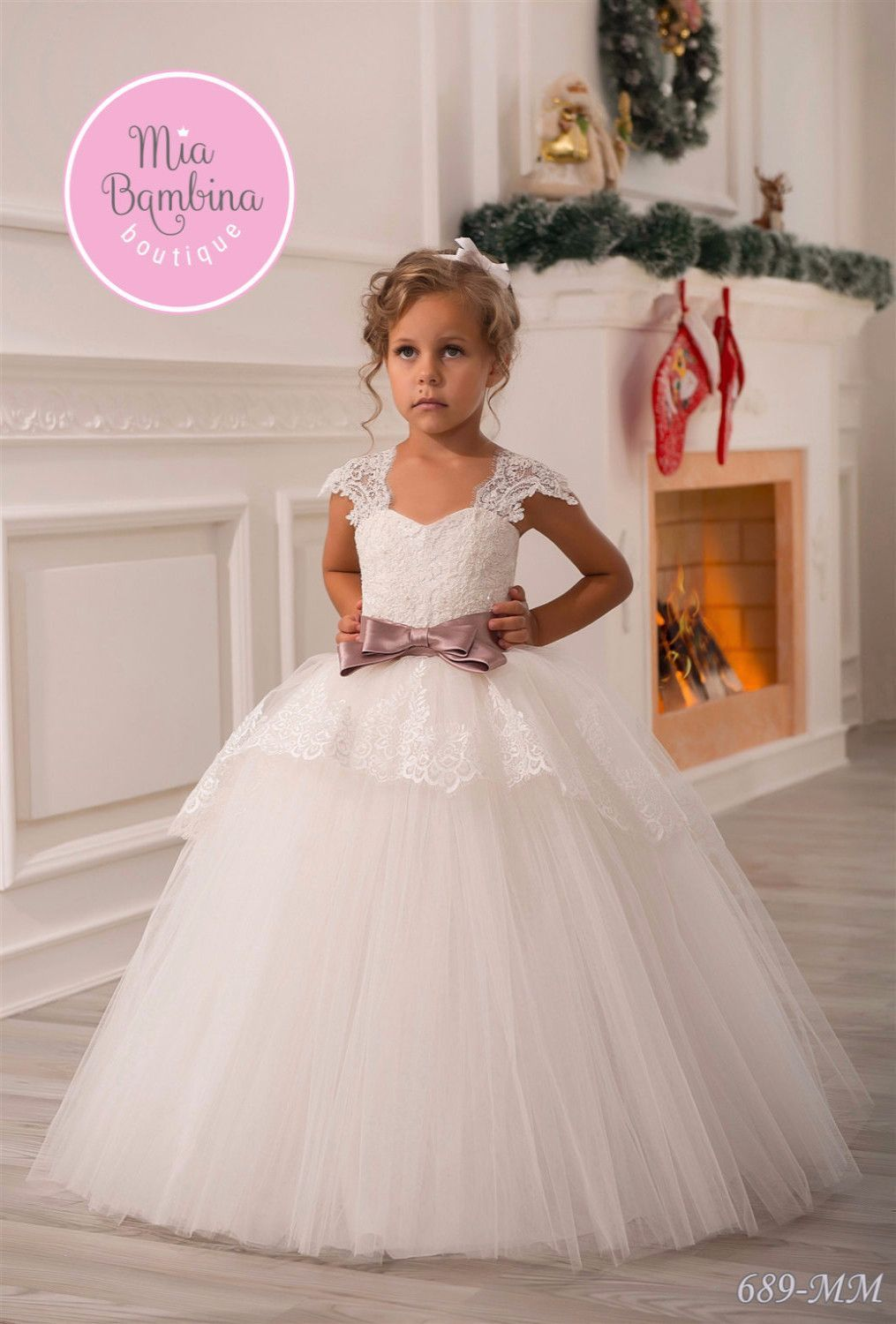 dfbcf1e315e A beautiful princess dress for flower girls from 1 year to 14 years old. The