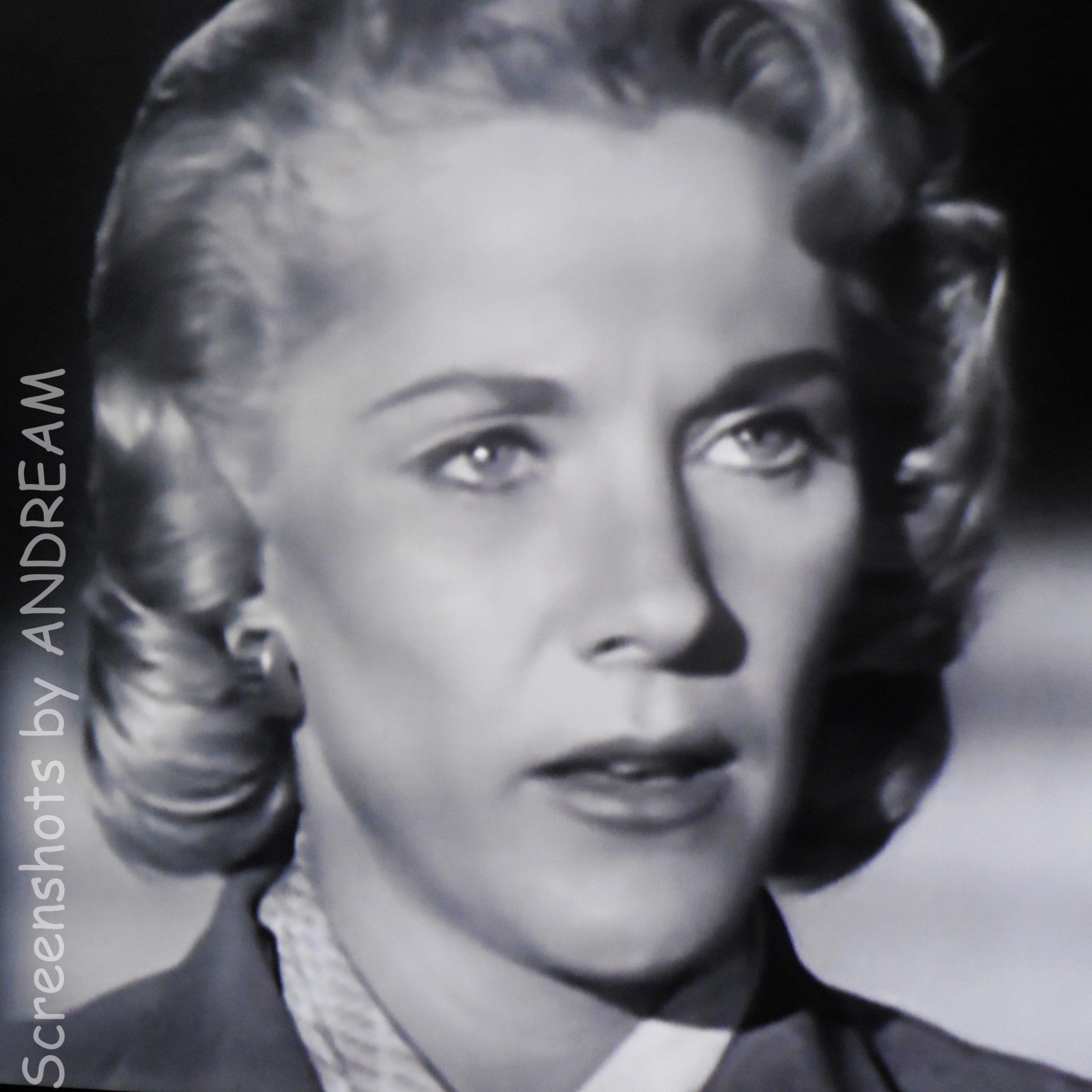 Joan Sims (1930?001)