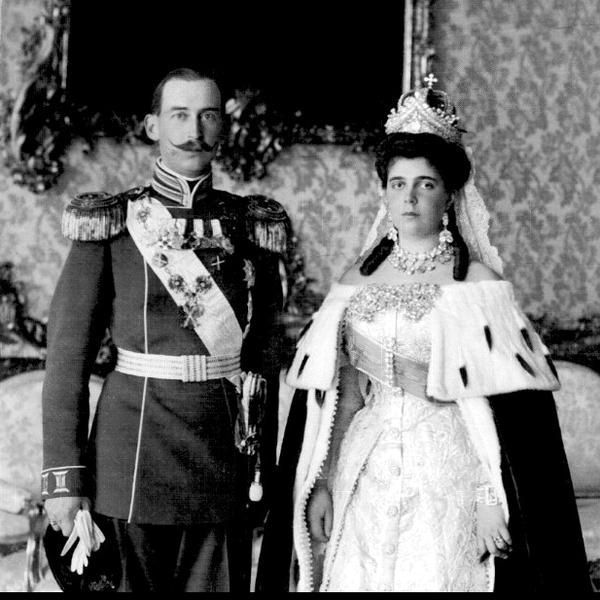 Dinastias   Realeza • Ver Tópico - Miechen, Helena, Olga, Marina.