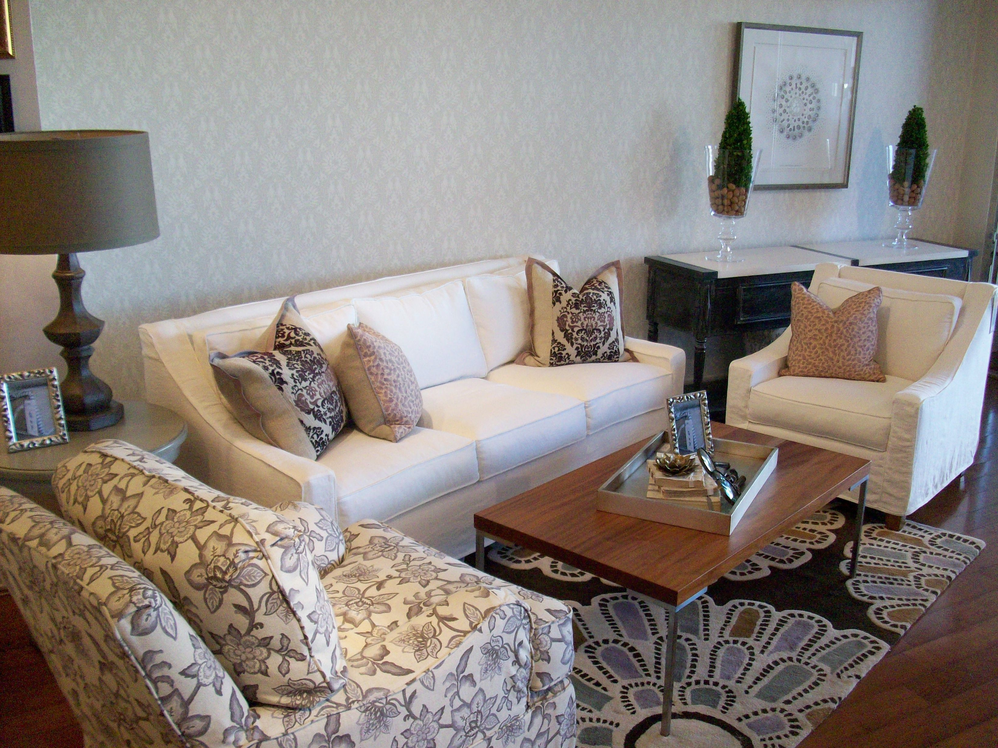 Quatrine Houston New Grace sofa and New Grace chair in cream