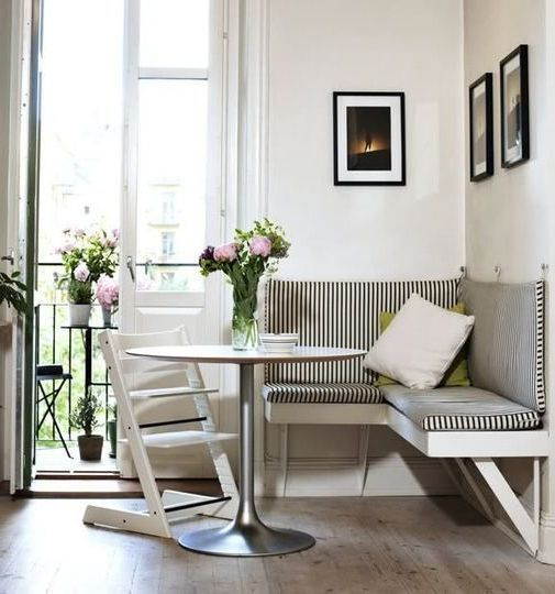 Dining Room Corner Decorating Ideas Space Saving Solutions: Simple Stripped Bench Breakfast Nook