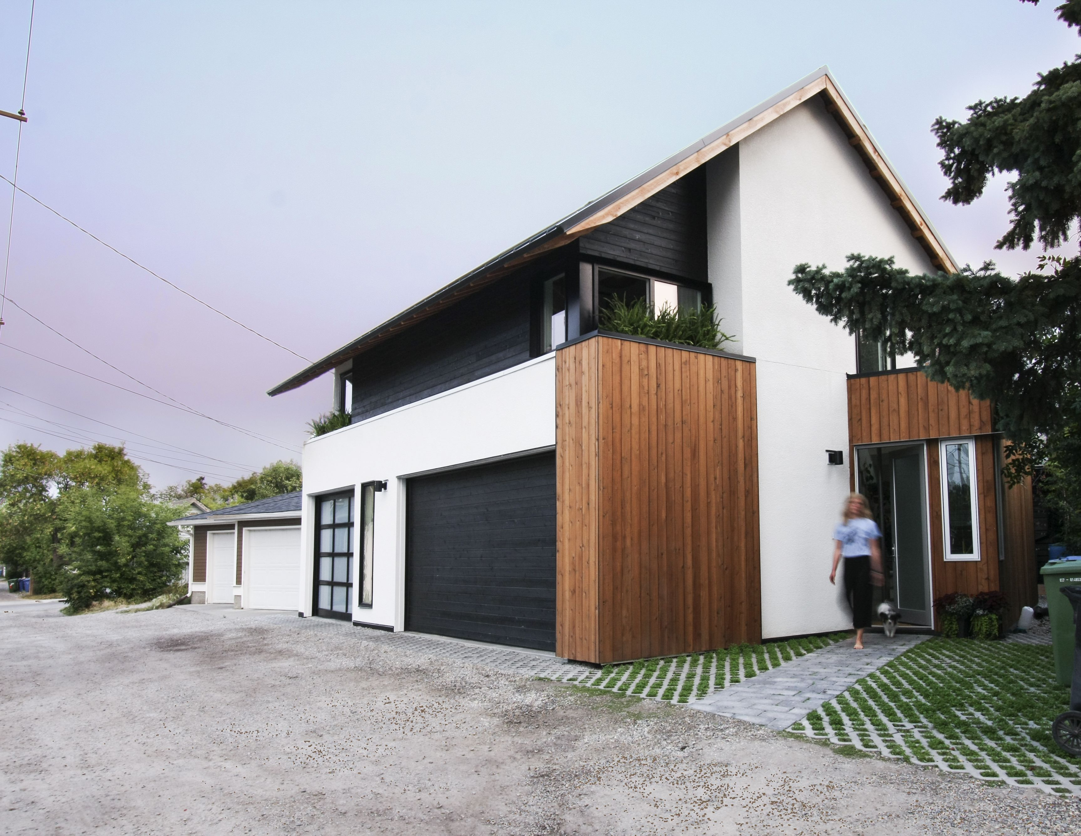 Photo 1 Of 14 In Can Compact Laneway Houses Like This One In Canada Architecture Modern House Design House Design