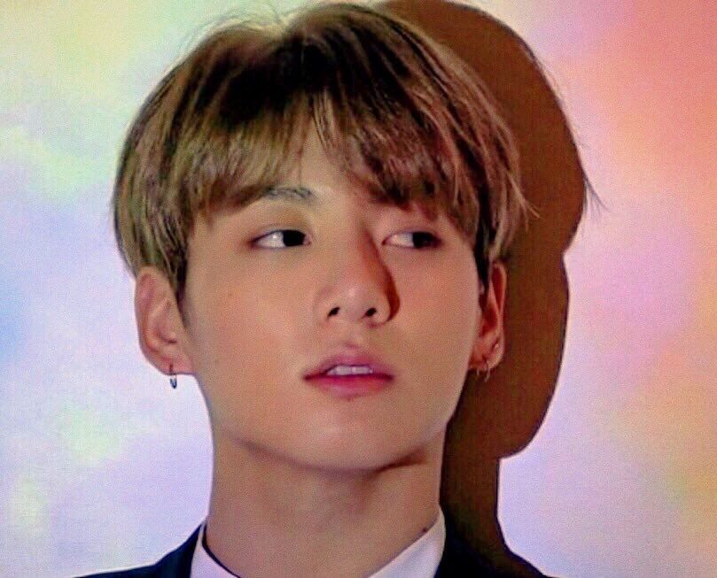 I love it when they're un-whitewashed  His glowing honey