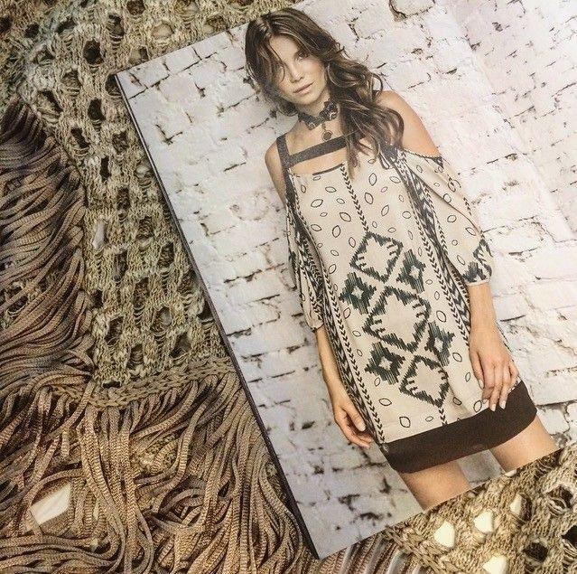 Dress lindo com recortes nos ombros te esperando aqui na loja meninas! #euvistogloss #fashion #outonoinverno by glossstorejf