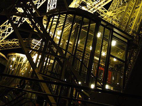 Impressões de Viagens: Jantar romantico na Torre Eiffel