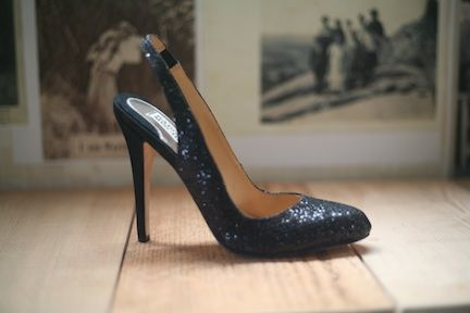 """Badgley Mischka """"kiss kiss"""" glitter pump. It's always an occasion for these! sizes 6, 6.5, 7, 8.5, 9.5"""