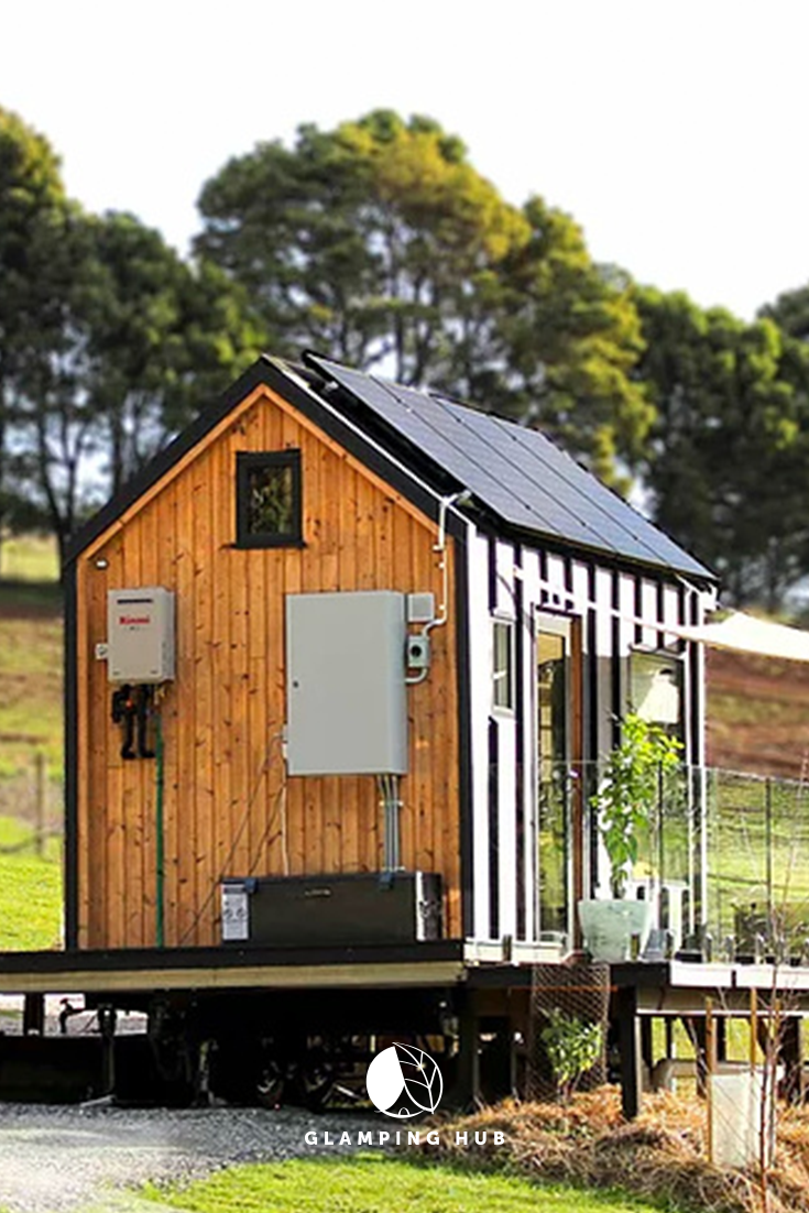 Eco-Friendly Tiny House Perfect for a Romantic Getaway near