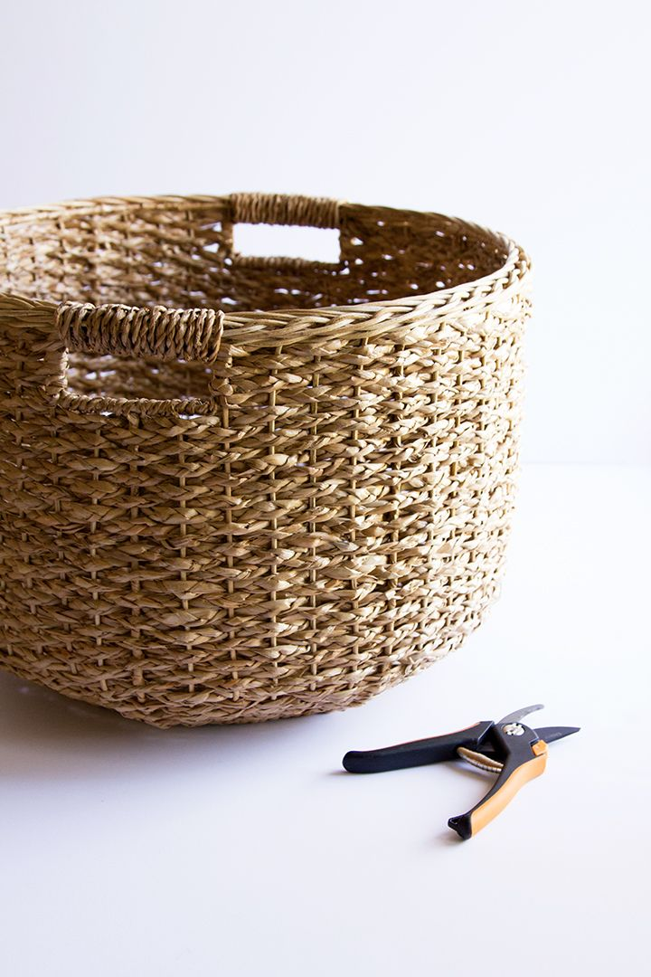 DIY Christmas Tree Basket Collar Christmas tree in
