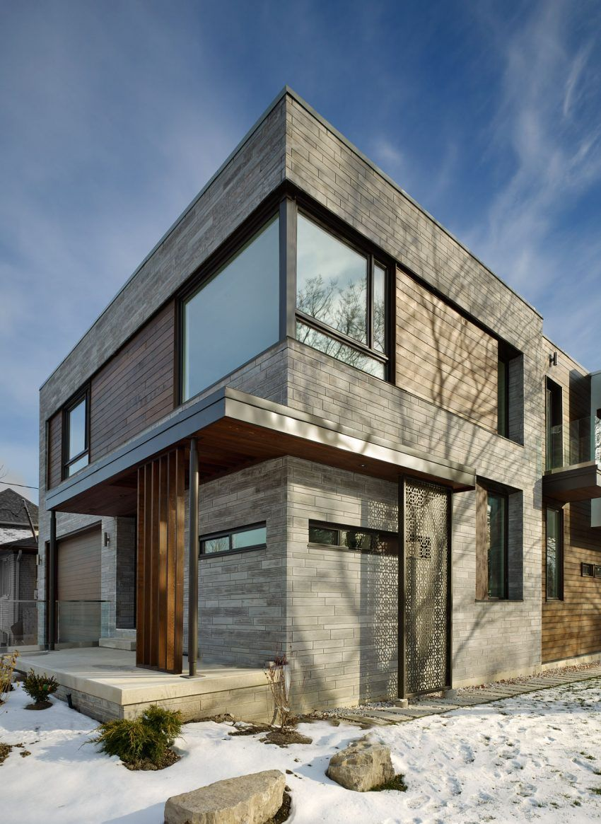 Garden Void House in Toronto Displays Highly Flexible Layout ...