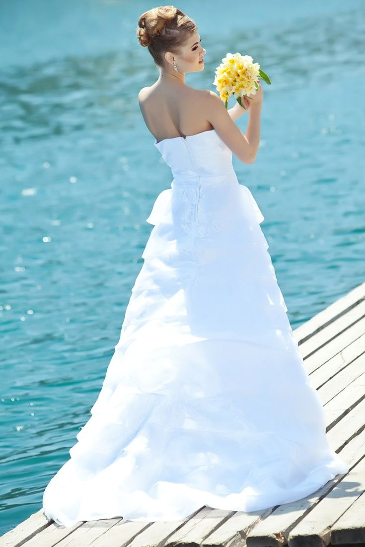Big pretty wedding dresses  Wedding Dress Designs To Watch For Your Own Special Event  Stunning