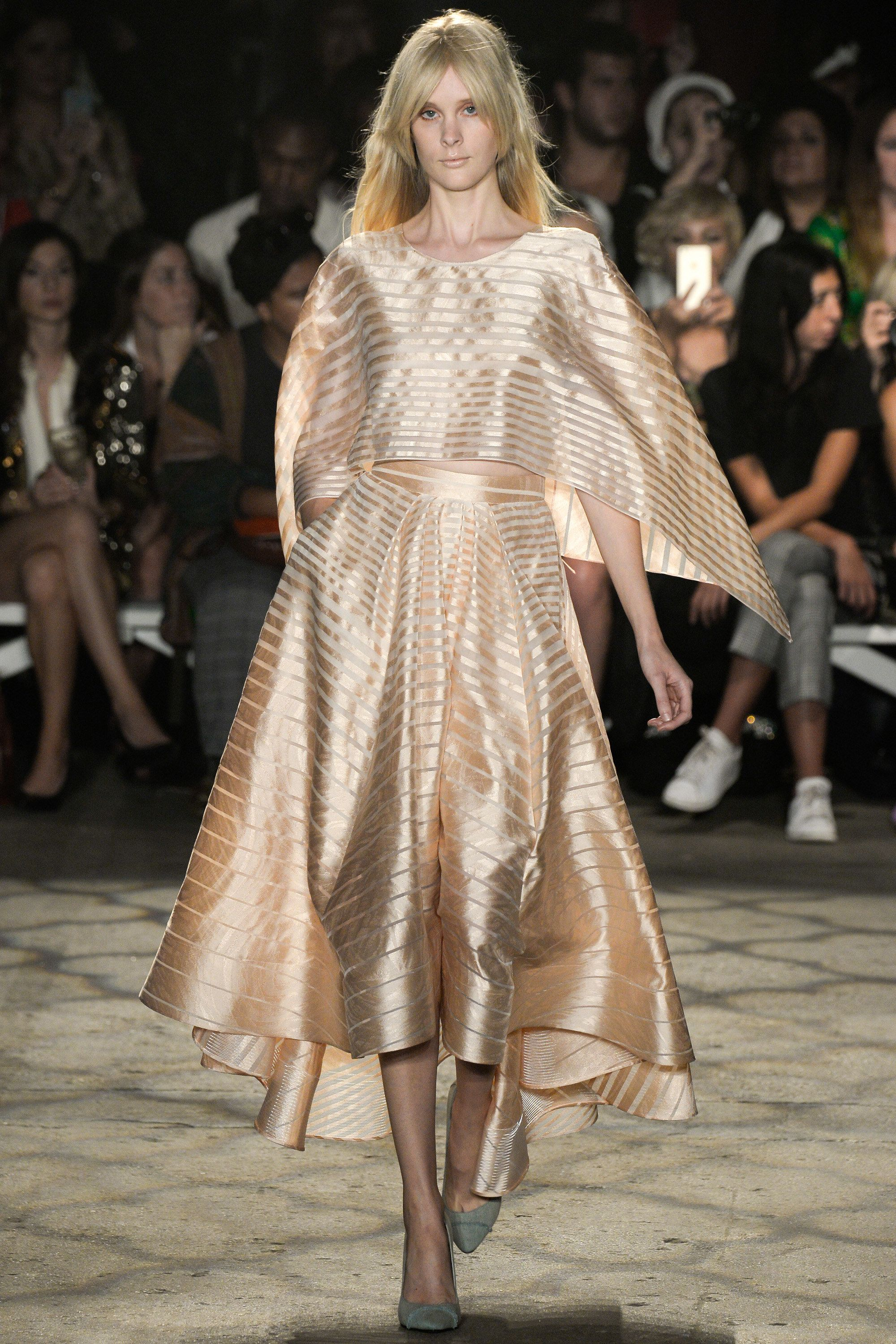 Christian Siriano Primavera 2016-Ready-to-wear Collection Fotos - Vogue
