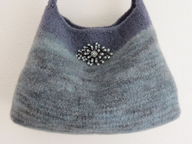 Ravelry: Misty Grey Felted Purse pattern by Debbie O\'Leary | Knit ...