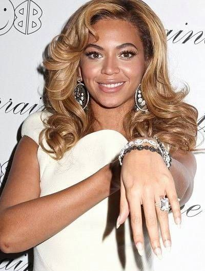 The most expensive wedding rings in the world beyonce knowles the most expensive wedding rings in the world beyonce knowles junglespirit Gallery