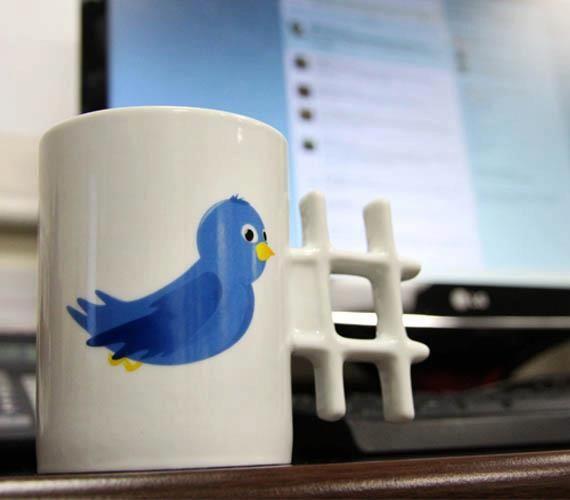 Caneca para os viciados no Twitter