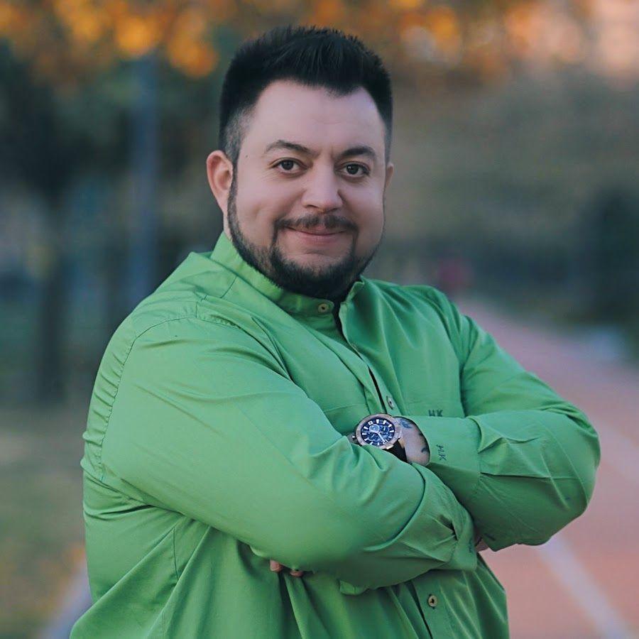 Huseyin Kagit Resmi Web Sitesi Sanatci Fiyatlari Sanatcilar Insan Kosma