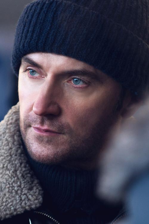 Daniel-blue eyes- Miller, Berlin Station S1