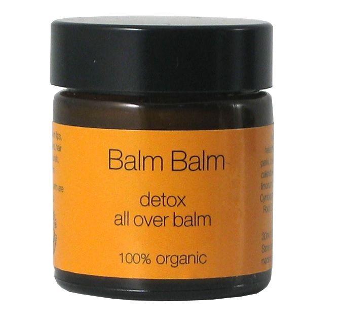 Detox natural: 5 metode prin care iti poti ajuta corpul sa elimine toxinele