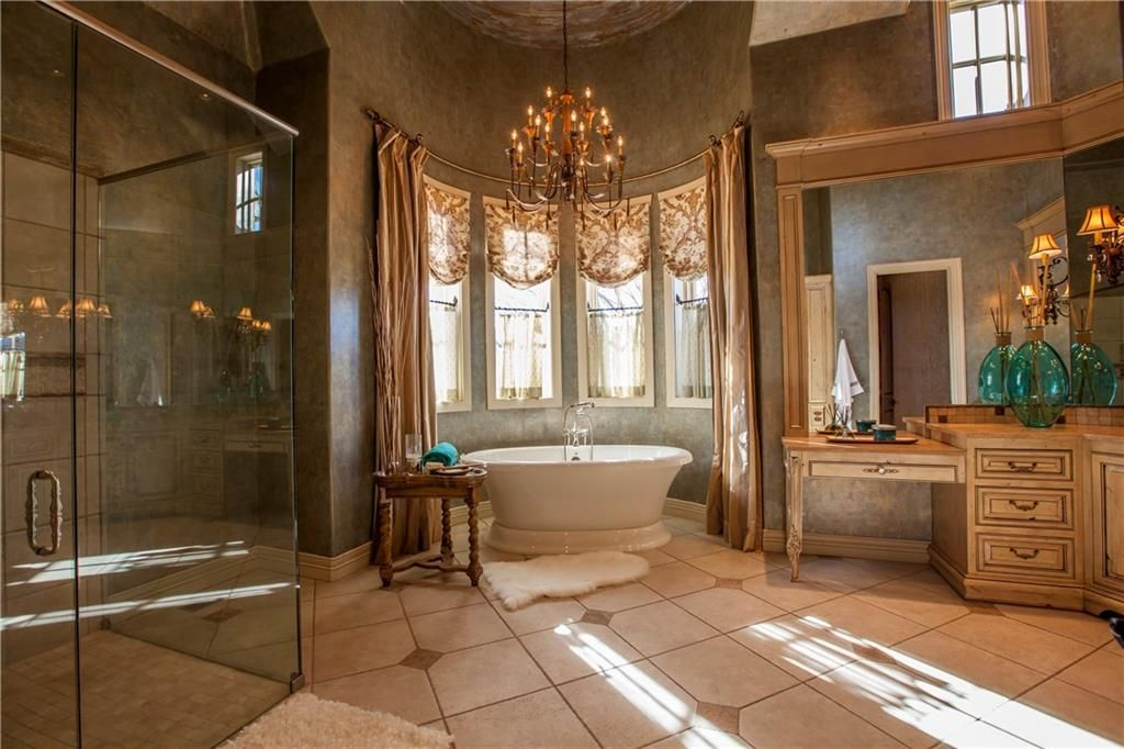 master bathroom in 1401 nw 158th at fairview farms. oklahoma real
