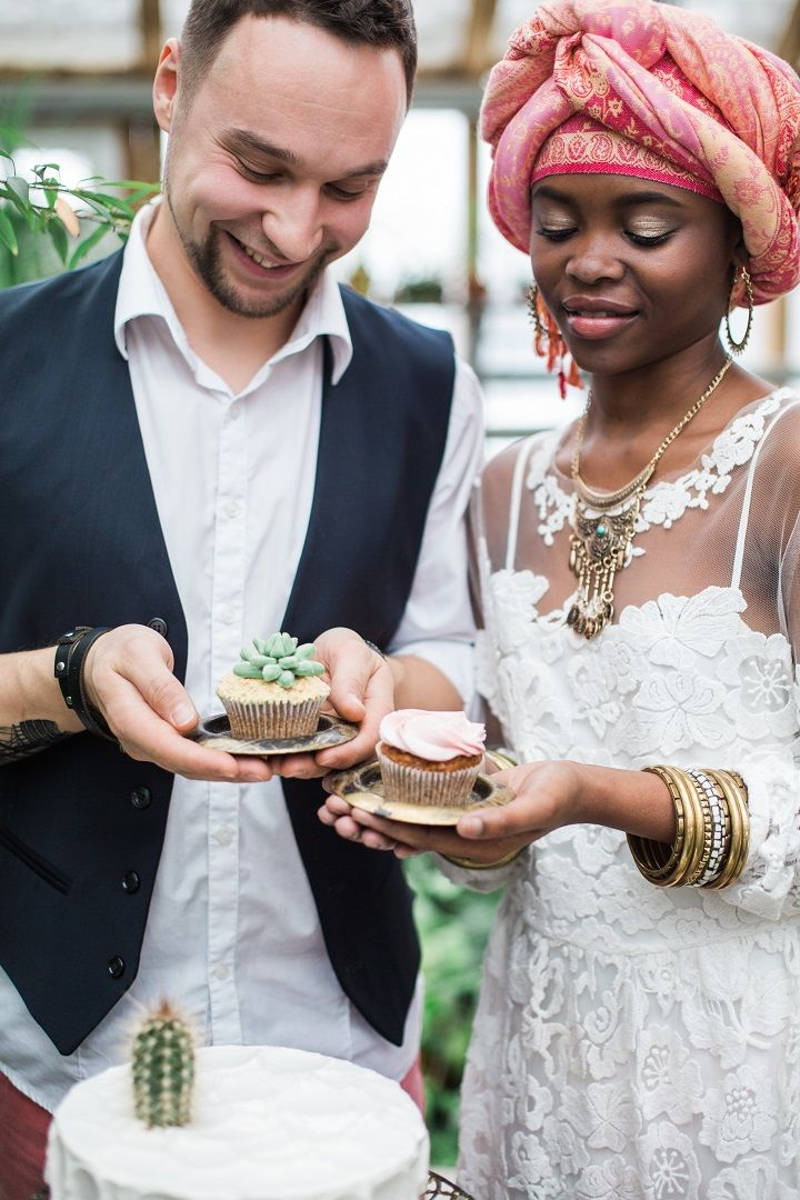 Wedding Cupcakes - Cactus Wedding Inspiration Shoot in Botanical Garden | fabmood.com #wedding #weddingstyled #weddinginspiration #weddingideas