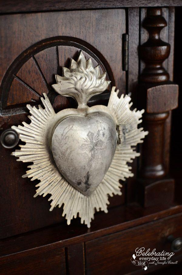 Heart Locket Vintage Sacred Heart Inspired Lockets | Celebrating everyday life with Jennifer CarrollVintage Sacred Heart Inspired Lockets | Celebrating everyday life with Jennifer Carroll