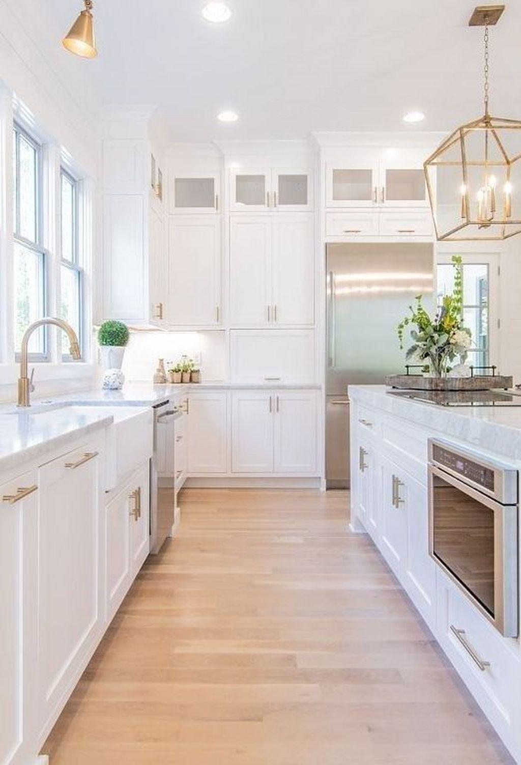 30+ Newest White Kitchen Design Ideas For A Clean And Bright Kitchen  #kitchendesignideas