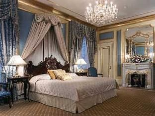 The Plaza Hotel New York City Heaven New York Hotels Nyc Rooms Luxurious Bedrooms
