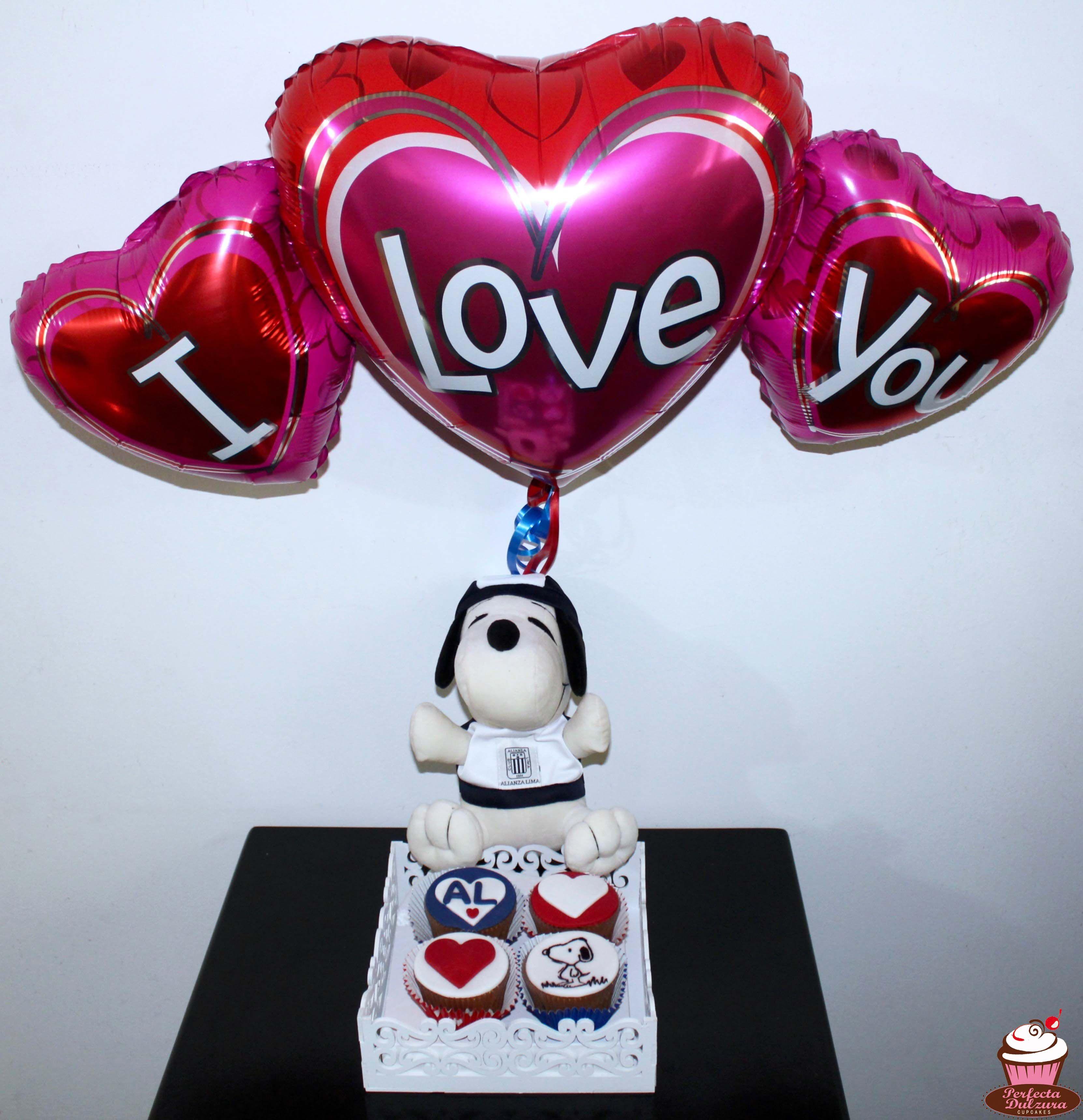 Regalo De San Valentín Peluche De Snoopy Con Camiseta De Alianza Lima Cupcakes Temáticos Globo Desserts Pop Food