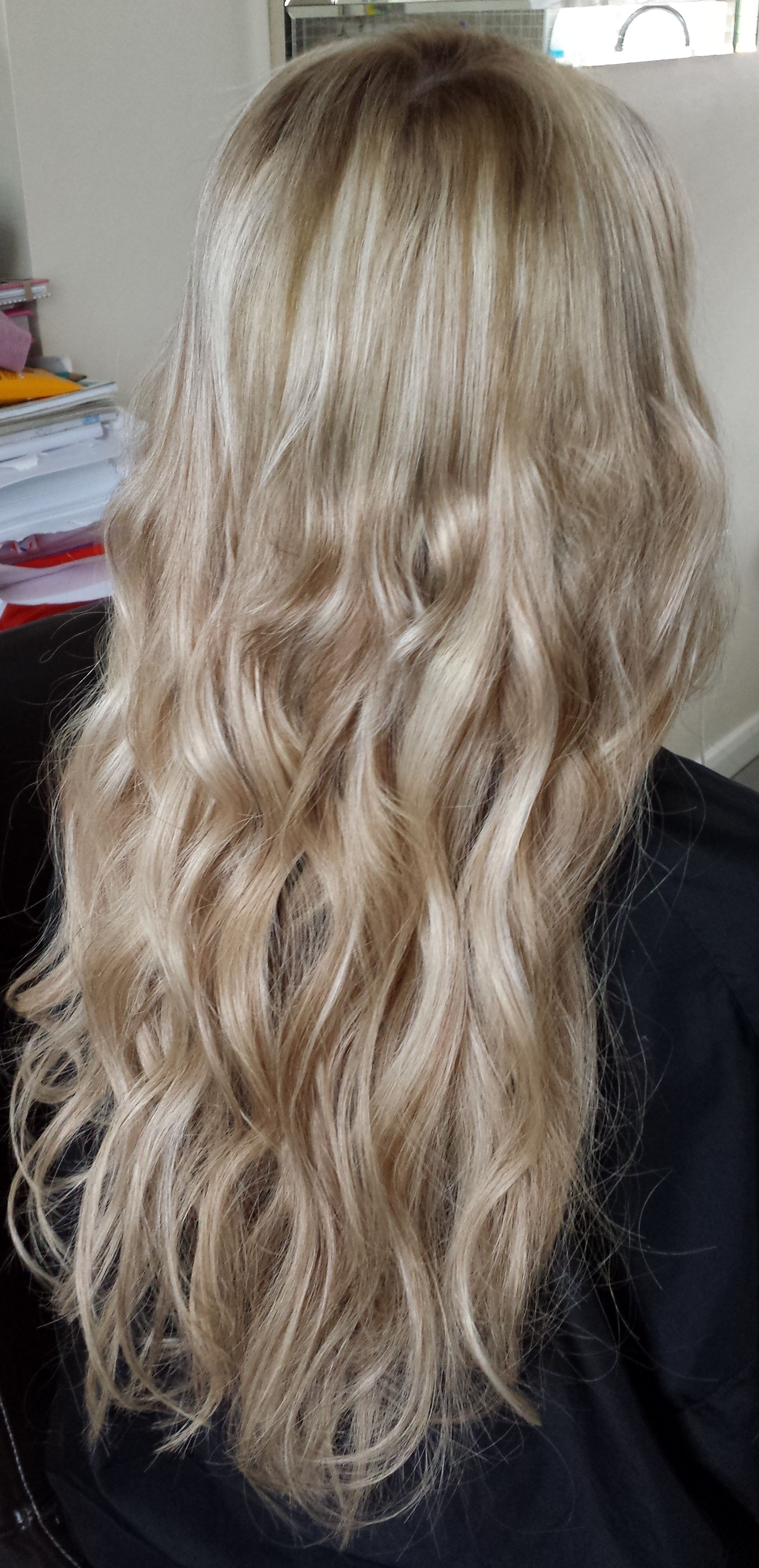 Pre Bonded Hair Extensions With A Soft Wave Goldilocks Pinterest