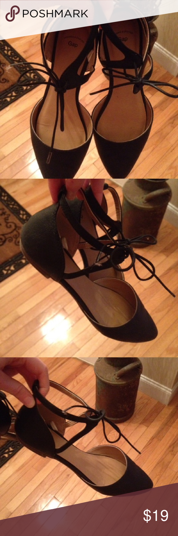 Women's size 7 black leather-like Gap sandals Good condition, worn only a few times, lace up / bow-tie top Shoes Sandals