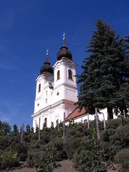 A Tihanyi Apátság temploma