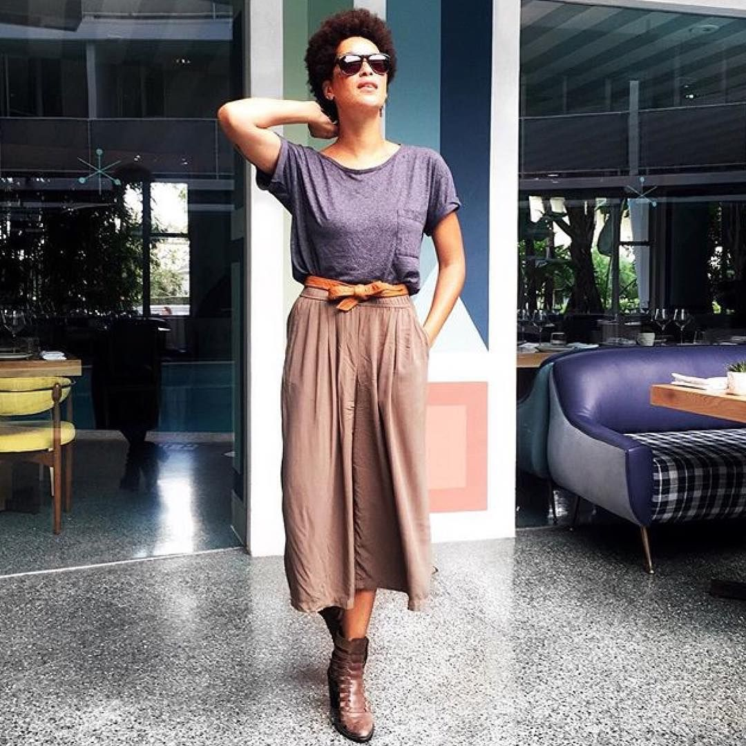 We love the way the beautiful Nikia Phoenix styles our culottes.