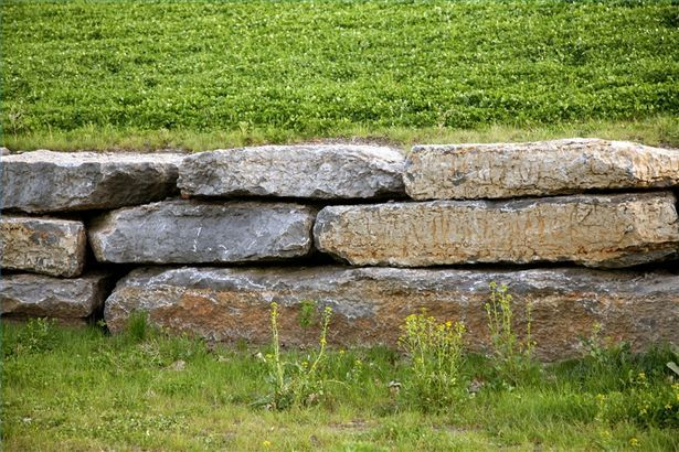 How To Build A Dry Stack Stone Wall Hunker Stone Landscaping Dry Stone Wall Dry Stack Stone