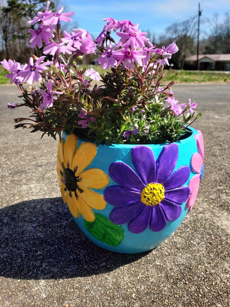5 1 Diy Flower Pot Resin Planter By Artminds In 2020 Painted Flower Pots Diy Flower Pots Flower Pots