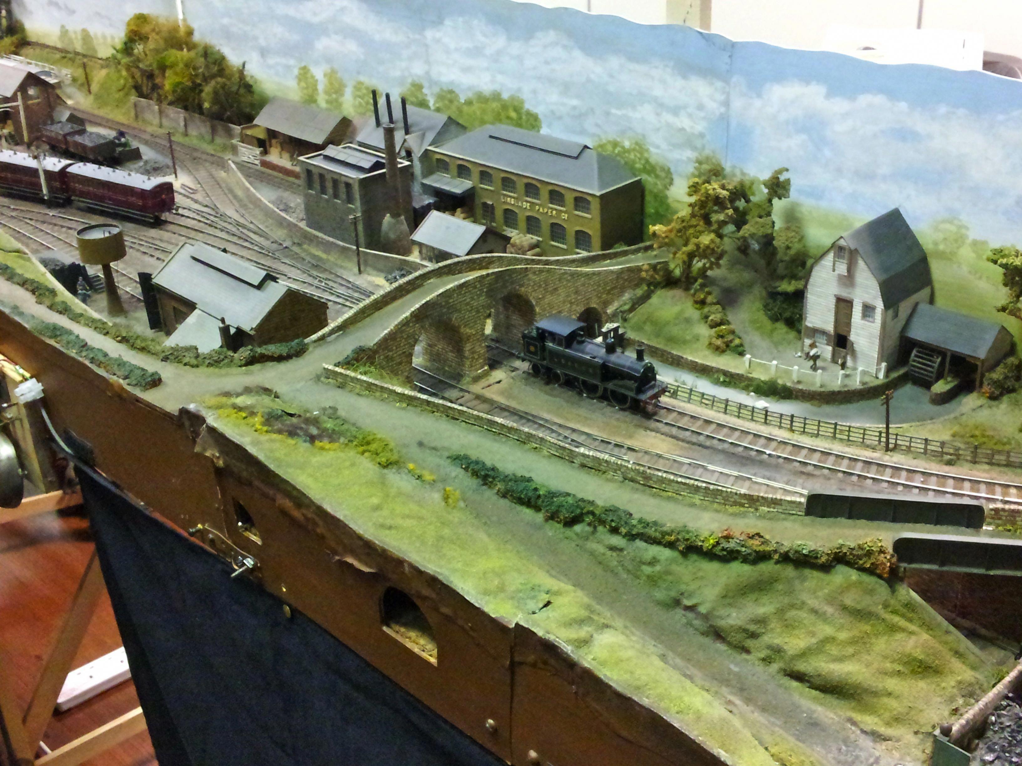 N Scale Custom Layouts | Model train scenery, Model trains