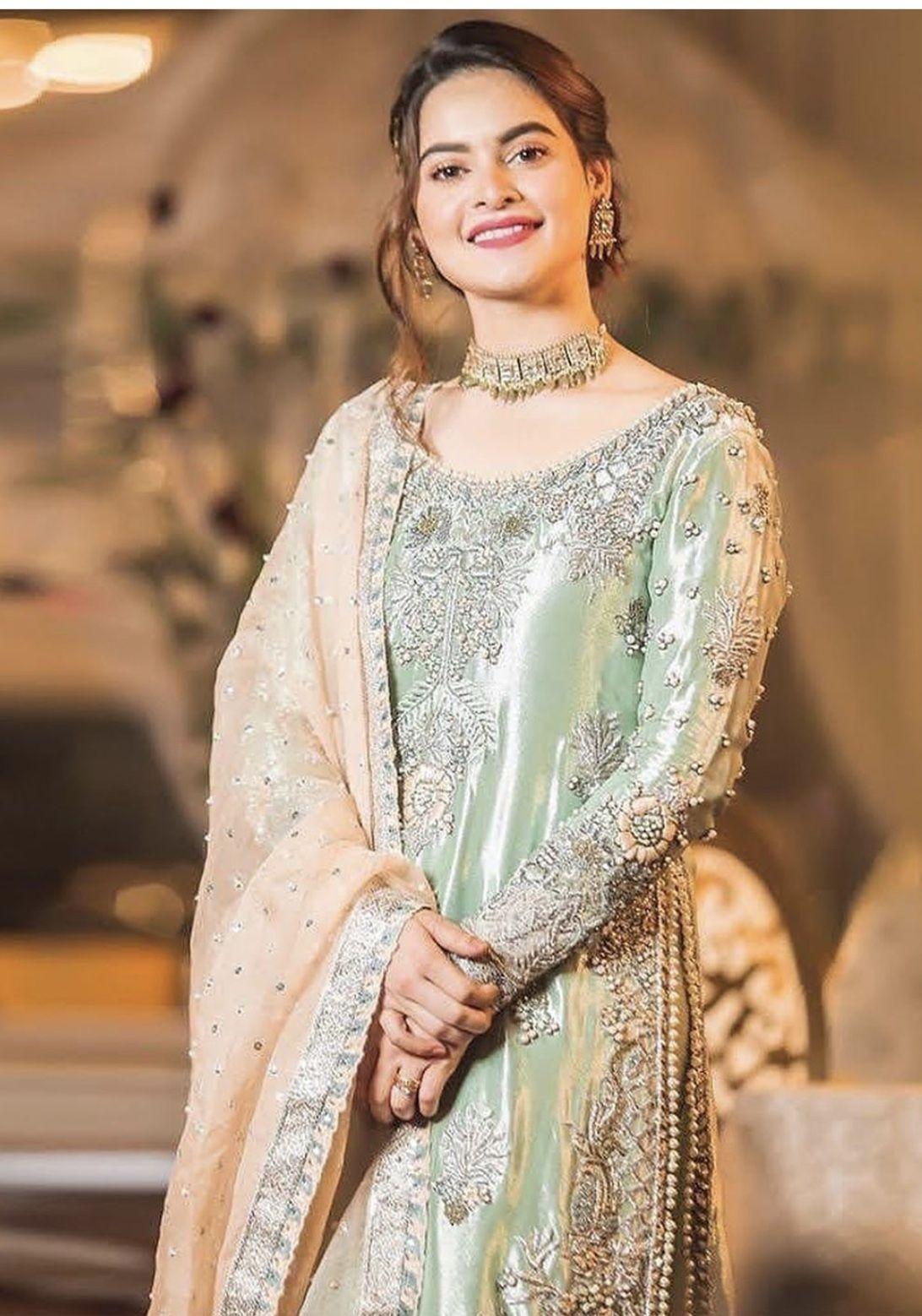Baat Pakki Engagement Bride Dress Inspo In 2020 Pakistani Bridal Wear Fancy Dresses Pakistani Bridal Dresses,Traditional Indian Wedding Guest Dresses For Girls