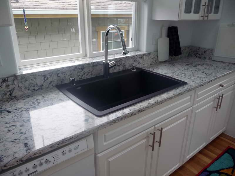 Dupont Corian Countertops And Glass Window Quakerrose Kitchen Countertop Decor Corian Kitchen Countertops Countertops