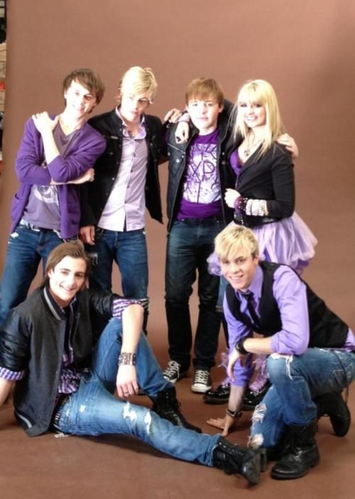 R5 wearing my color I want them to look like this when me and Riker get married  :) <3<3<3<3<3<3
