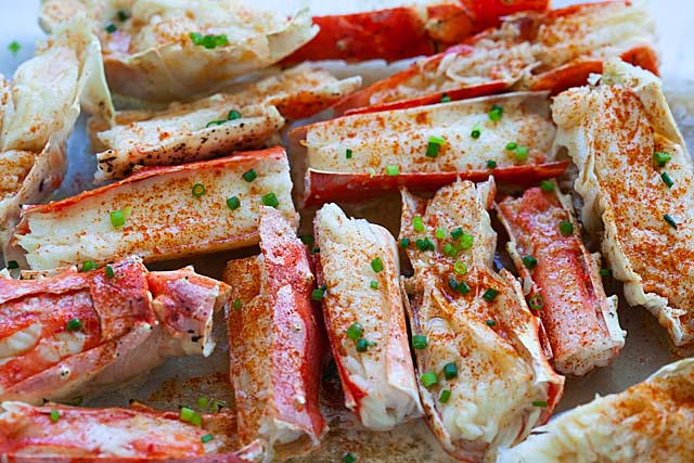 Baked Crab Recipe King Or Snow Crab Who Knew It Was So Ez D King Crab Is Larger W A Thicker Crab Legs Recipe Bake Crab Legs Recipe Crab Recipes