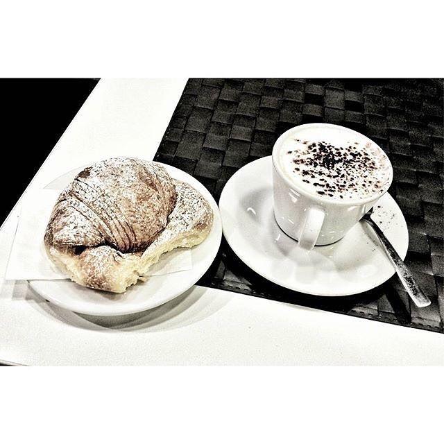 كافيتالي On Instagram صباح الخير صباح الرقة و الجمال بـجمـيـع الأشـكـال صـبـاحـك أجـمـل مـع كـافـيـتـ Morning Coffee 10 Things Tableware