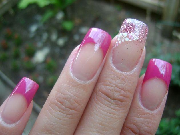 *Hibiscus* by yen3 - Nail Art Gallery nailartgallery.nailsmag.com by Nails Magazine www.nailsmag.com #nailart