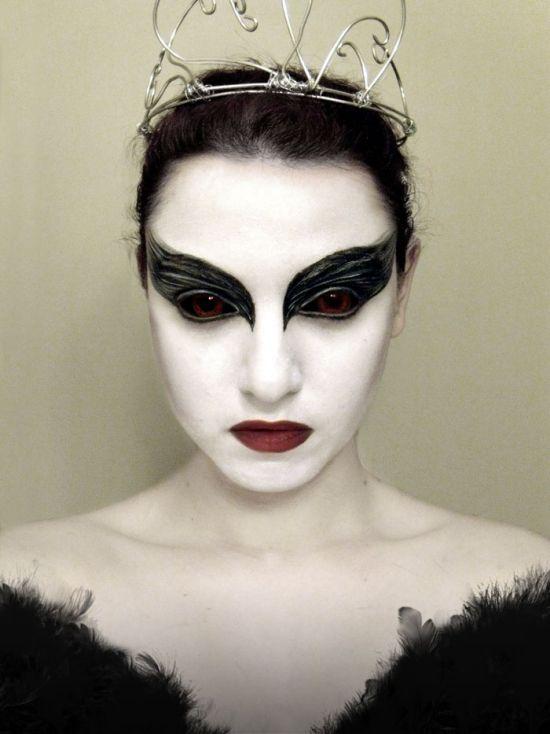 Halloween Ideen Frauen.Schwarzes Kleid Halloween Schminktipps Ideen Fur Frauen