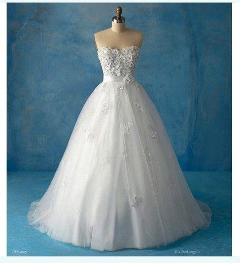 snow white wedding dress | Princess Theme Party | Pinterest | Snow ...