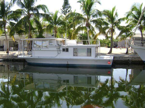 35' Silverqueen houseboat House boat, Jet ski, Structures
