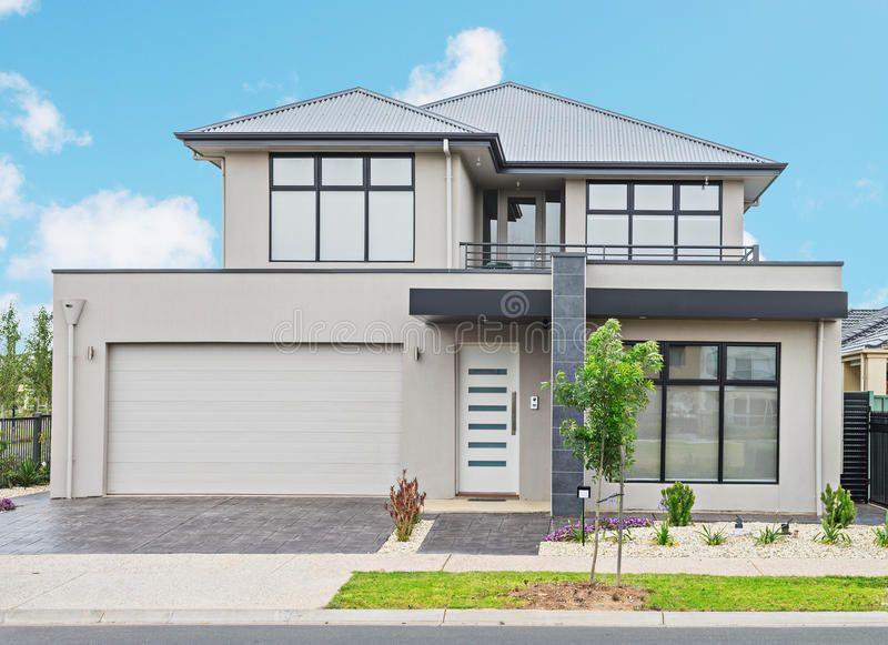 Modern Suburban House Typical Facade Of A Modern Suburban House Ad House Typical Modern Suburba Modern Suburban House Suburban House Local Builders