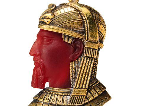 DER KÖNIG: Assyrichen König. Karneol Gold-Anhänger / Assyrian King Carnelian Gold Pendant.
