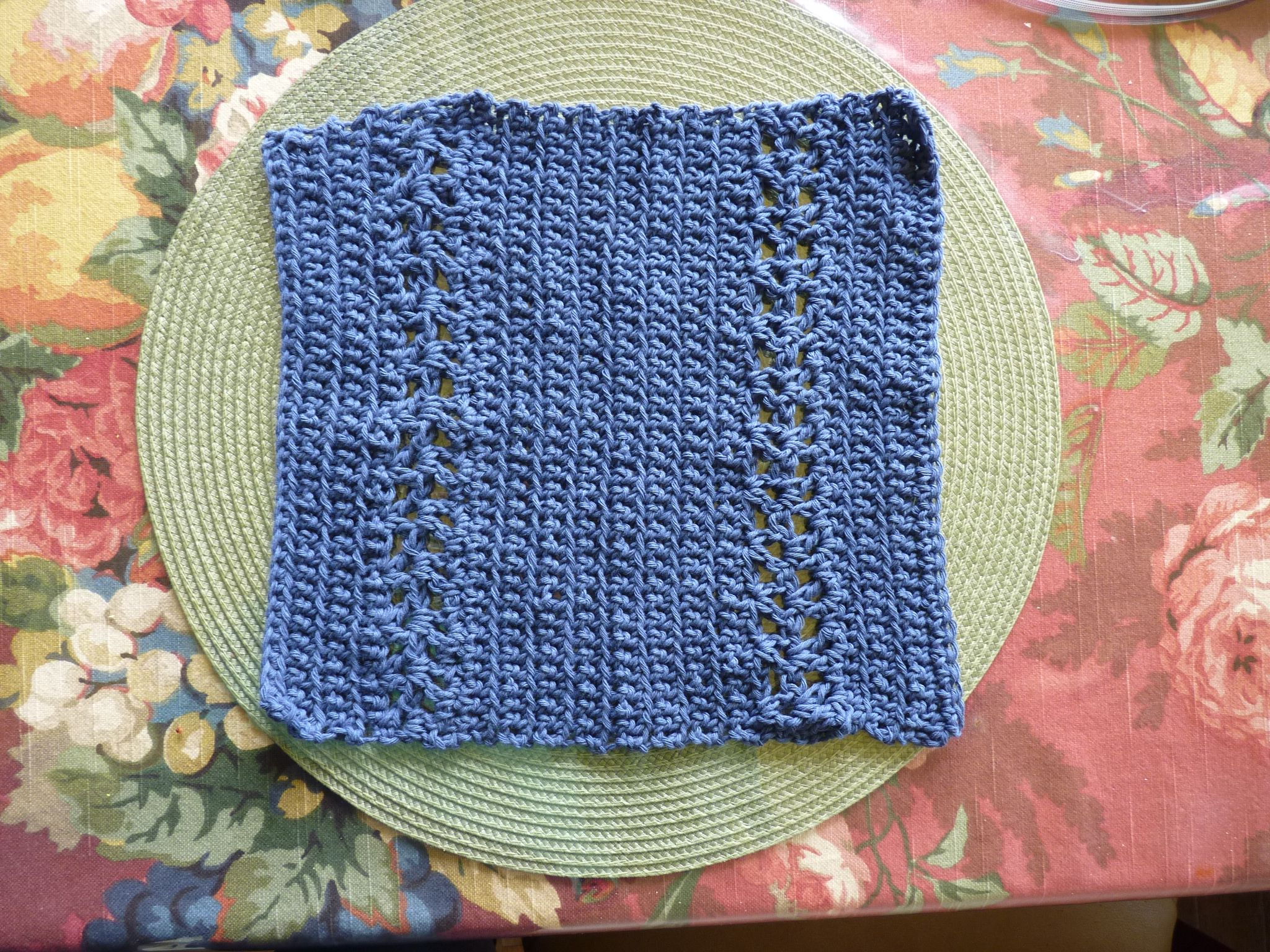 My version of the fancy dishcloth minus the trim.  Used Eco-fil recycled cotton yarn. J hook.