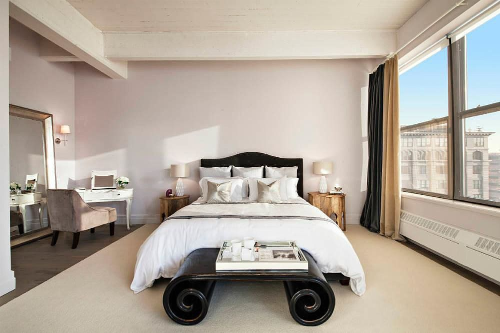 Recently renovated by interior design and architecture firm David Howell & Company, each room in the loft is filled with high-end details.  ...